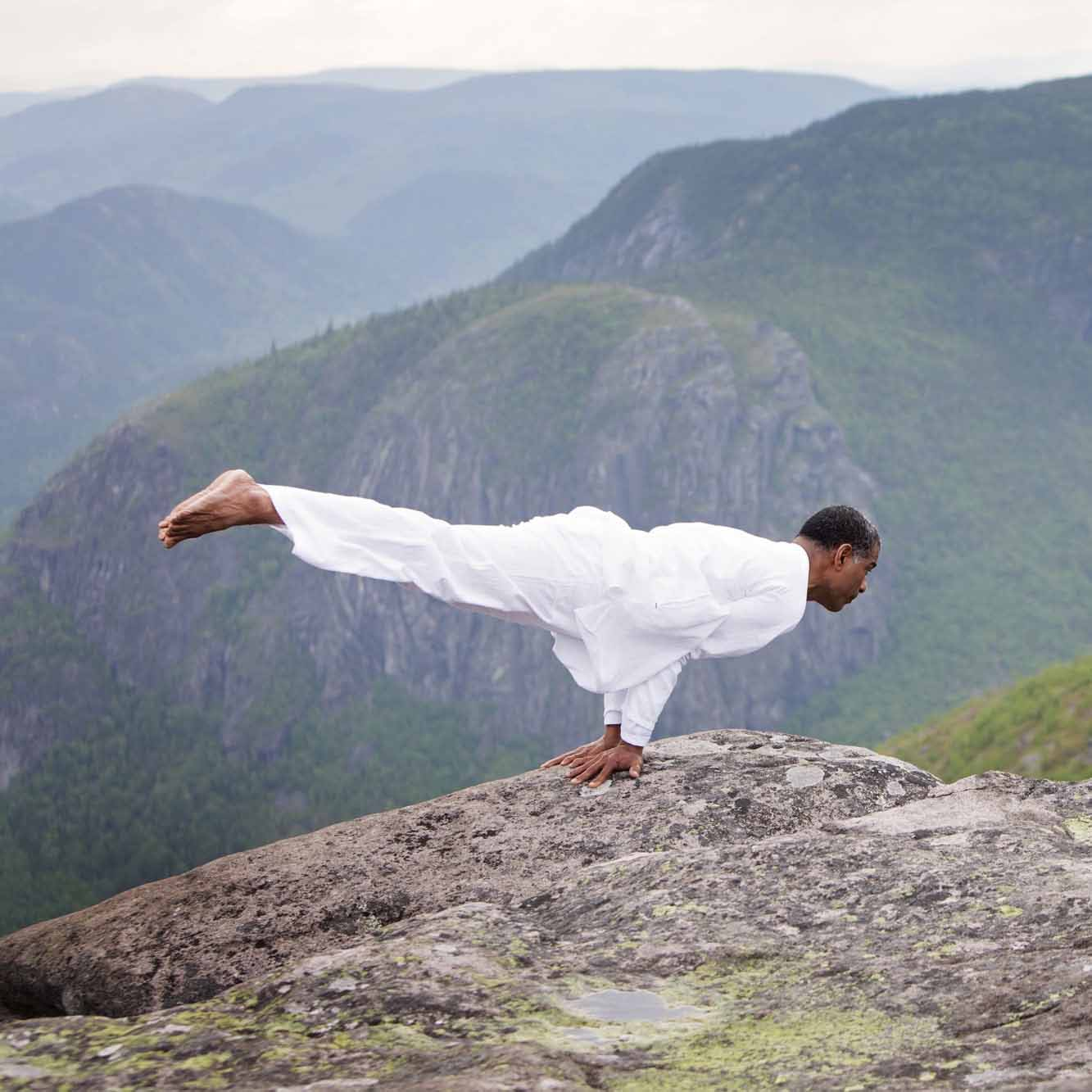 centre-yoga-om-shanthi-position-yoga